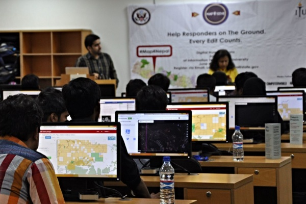 Participants of Map4Nepal Lahore Mapathon are mapping